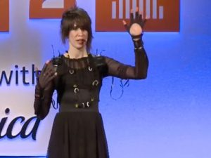 Imogen Heap's Musical Glove performance